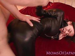 Molly apretó el puño de anal a casada Margaret.